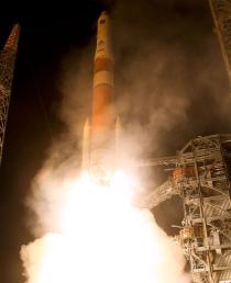 Start rakiety Delta IV z satelitą IIF
